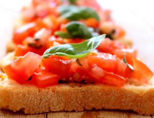"""Bruschetta con il pomodoro, il basilico e l' olio extravergine di oliva """"Nostrum"""""""
